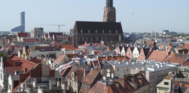 Panorama Wrocławia - widok na miasto z dachu uniwersytetu.