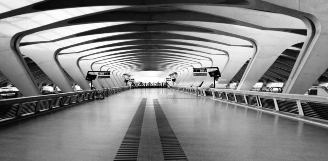 Stacja kolejowa przy lotnisku Saint-Exupery we franuckim Lyonie.