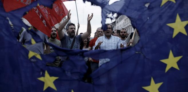 Antyoszczędnościowe protesty w Salonikach w Grecji