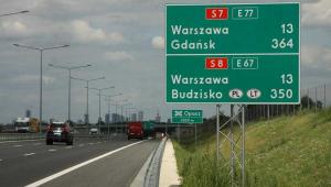 Nowa trasa S8 - wjazd do Warszawy od strony Katowic w tle centrum miasta