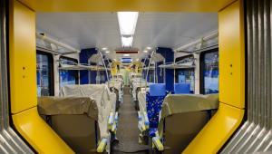Wnętrze części pasażerskiej składu dla MAV