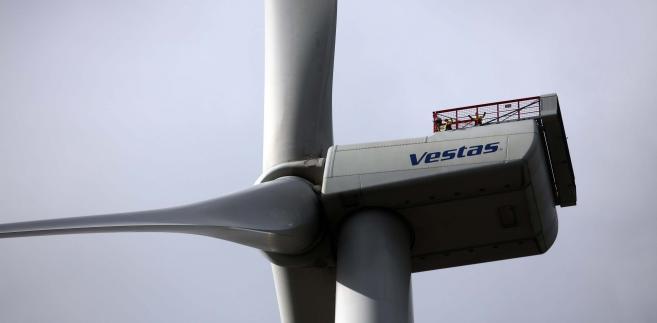 Turbina wiatrowa MHI Vestas V164 w czasie testów operacyjnych w duńskim centrum testowym turbin wiatrowych w Osterild. Dania, 18.04.2016.