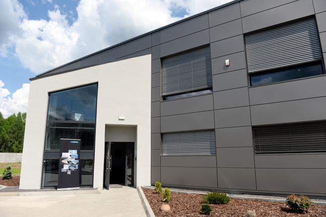 Otwarcie zakładu produkcyjnego niemieckiej firmy Marbach w Kielcach. fot.  (pp/kru) PAP/Piotr Polak