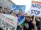 """""""Pieniądze dla głodnych, nie na czołgi"""". Marsz ulicami Warszawy przeciw NATO i jego bazom w Polsce"""