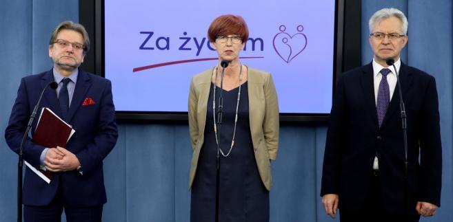 Elżbieta Rafalska, pełnomocnik rządu ds. osób niepełnosprawnych Krzysztof Michałkiewicz i sekretarz stanu w Ministerstwie Zdrowia Jarosław Pinkas