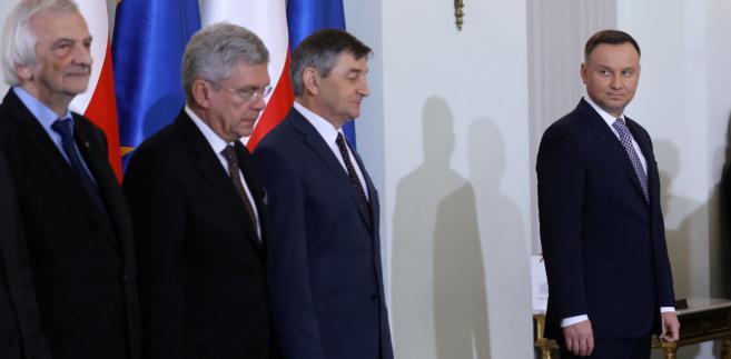 Prezydent Andrzej Duda  w obecności premiera Mateusza Morawieckiego powołuje nowych członków Rady Ministrów.