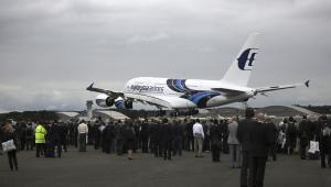 Airbus SAS A380 na targach Farnborough 2012
