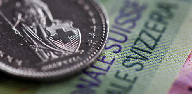 Ustawa frankowa wpływa na kurs banków.