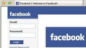 Facebook jest liderem wśród serwisów społecznościowych