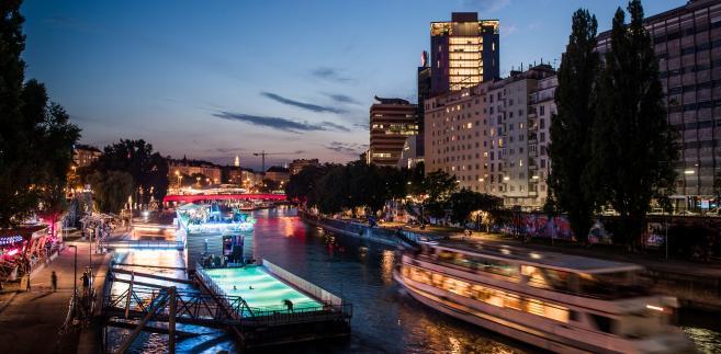 Łodzie na Dunaju w Wiedniu