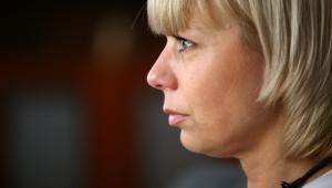Elżbieta Bieńkowska, wicepremier, minister połączonych resortów transportu, budownictwa i gospodarki morskiej z ministerstwem rozwoju regionalnego.