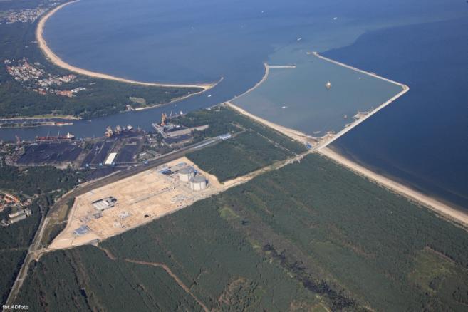 Terminal LNG, budowa - sierpień 2012; fot. materiał prasowy Polskie LNG SA