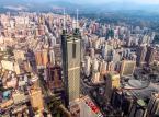 Chińska policja przy granicy z Hongkongiem ćwiczyła rozganianie demonstracji ulicznych