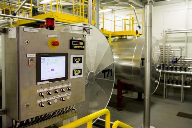 Nitroerg linia produkcyjna materiałów wybuchowych (mr) PAP/Andrzej Grygiel