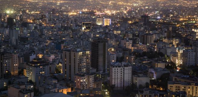 Teheran nocą. Iran