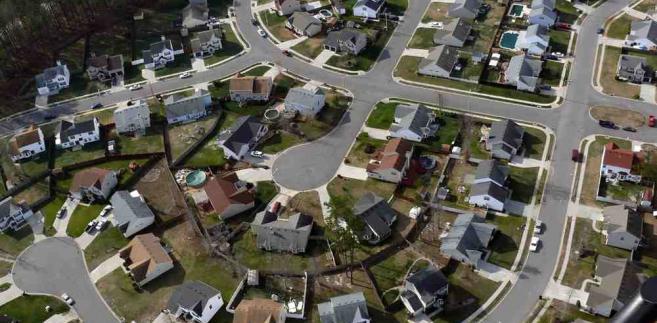 Typowe osiedle domków jednorodzinnych w USA
