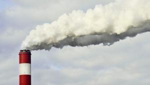 Odkrywkowa kopalnia węgla brunatnego i elektrownia w Bełchatowie, należące do grupy PGE (7). Fot. Bloomberg.