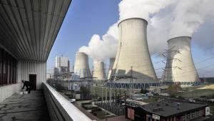Odkrywkowa kopalnia węgla brunatnego i elektrownia w Bełchatowie, należące do grupy PGE (14). Fot. Bloomberg.