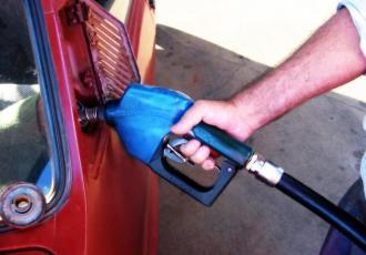 Benzyna powinna przestać drożeć
