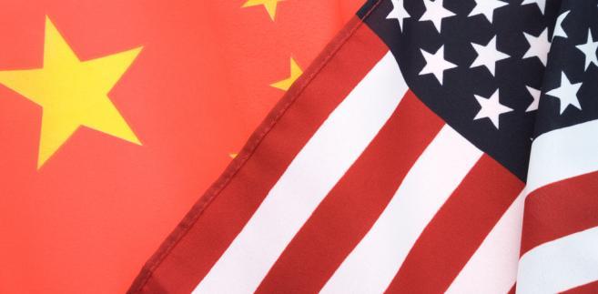 Flagi Chin i USA, fot. Feng Yu