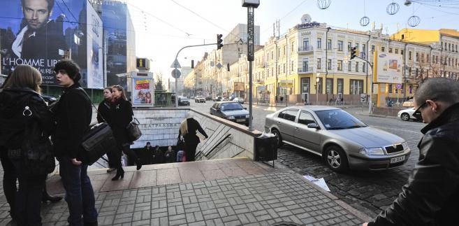 Wejście do kijowskiego metra.